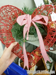 This wreath would be adorable for Valentine's Day (minus the ribbon!).